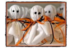 Confectionam decoratiuni de Halloween stafii